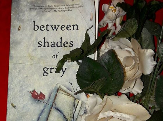Novel Between Shades of Gray